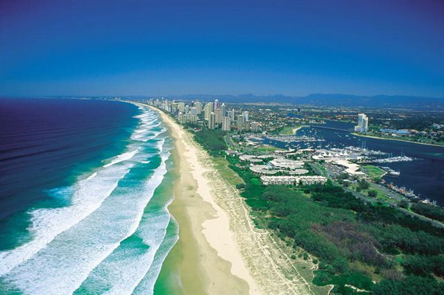 http://www.aboutaustralia.com/a2it_package/images/travel/Gold%20_Coast_Aerial.jpg