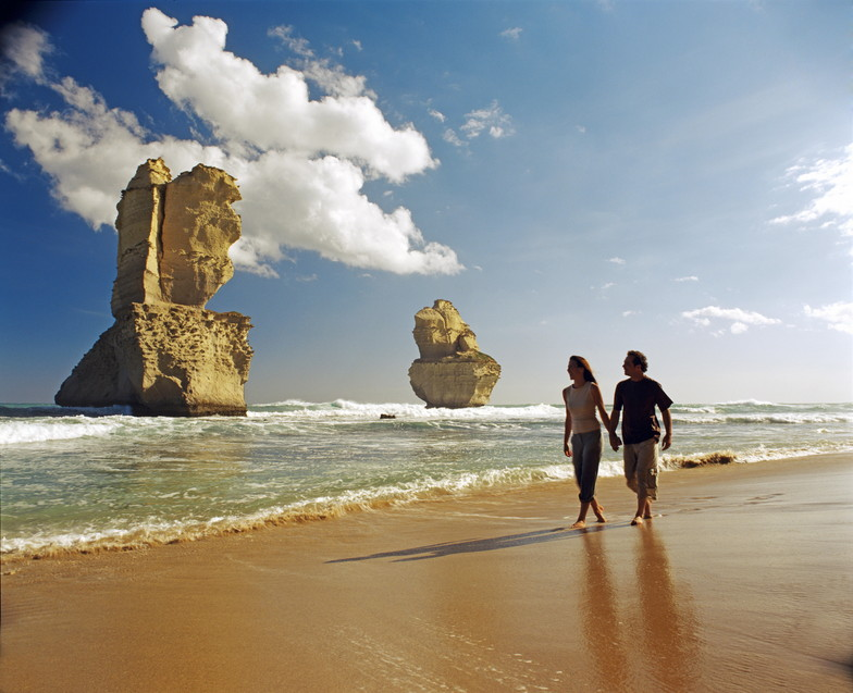 Visit the Twelve Apostles during your sightseeing tour along the Great Ocean Road, Australia