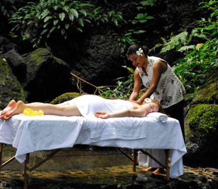 Relaxing and rejuvenating rainforest spa treatments