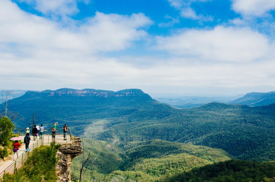 Blue Mountains National Park credit Tourism Australia