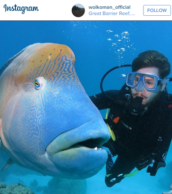 Selfie-with-a-Maori-Wrasse