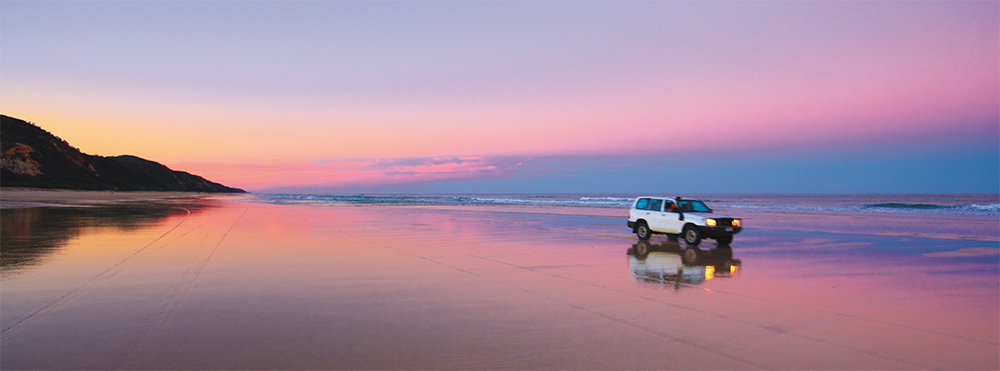 Driving on 75 Mile Beach in Fraser Island. Photo Credit: Tourism & Events Queensland and Darren Jew