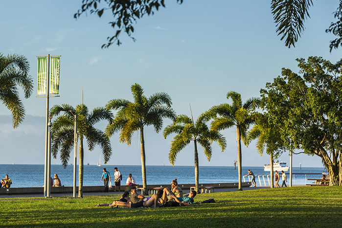 Cairns Esplanade credit Tourism and Events Queensland and Andrew Watson
