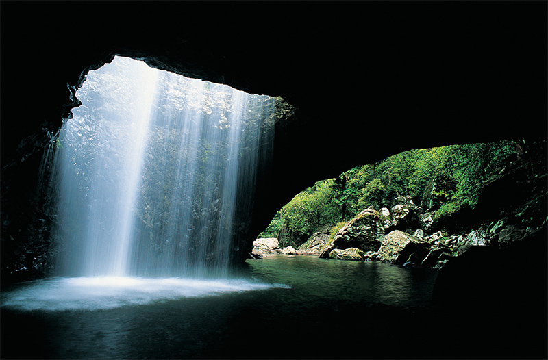 Natural Bridge credit Tourism and Events Queensland